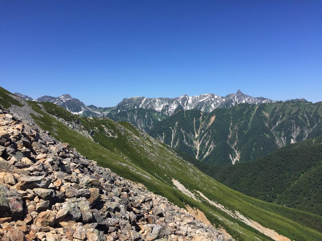 常念岳・常念岳から槍ヶ岳、穂高岳までを一望