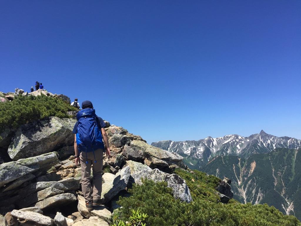 常念岳・常念岳の山頂まであと少し