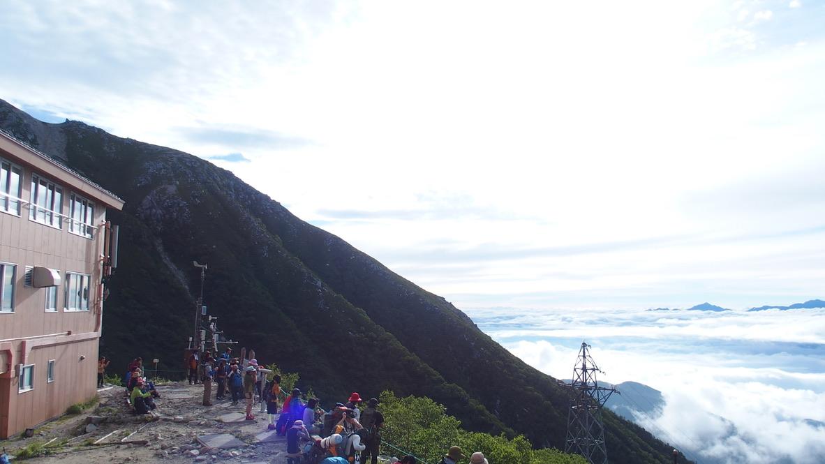 木曽駒ケ岳・千畳敷駅裏側からの展望