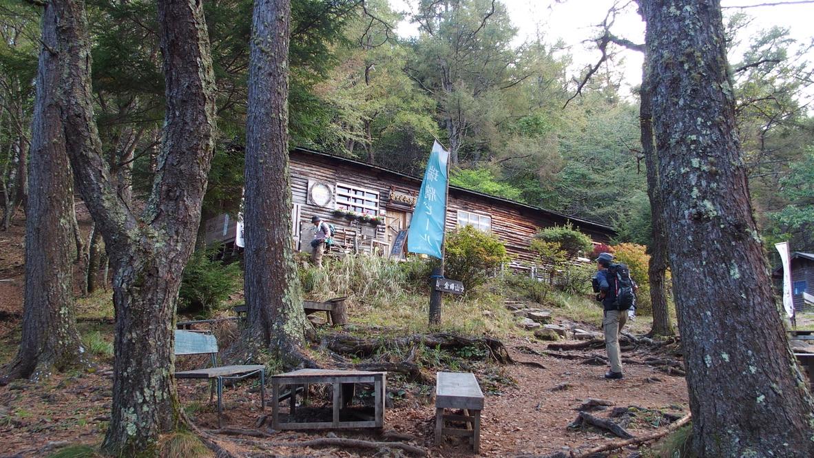 瑞牆山・富士見平小屋