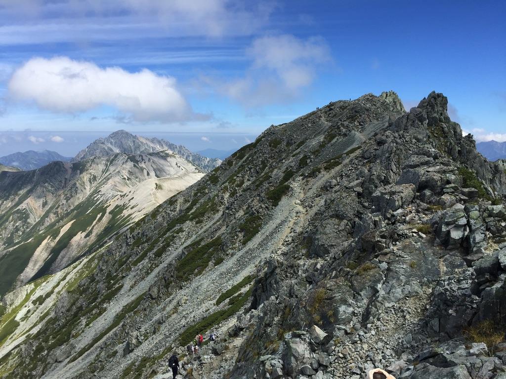 立山・山崎カールの稜線を歩きます
