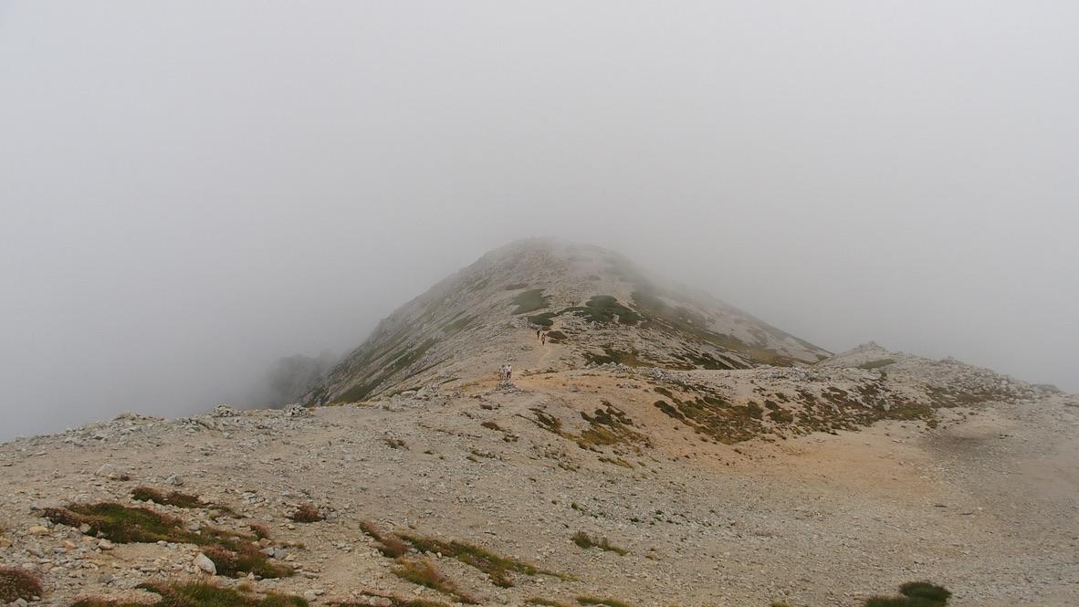 立山・別山山頂・雲の中