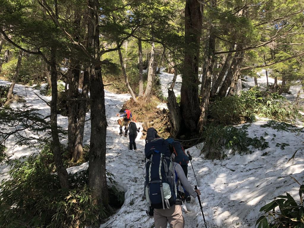 燕岳・富士見ベンチに至る道