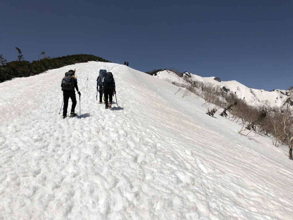 燕岳・合戦尾根・北アルプス三大急登・燕山荘まで一歩一歩進みましょう