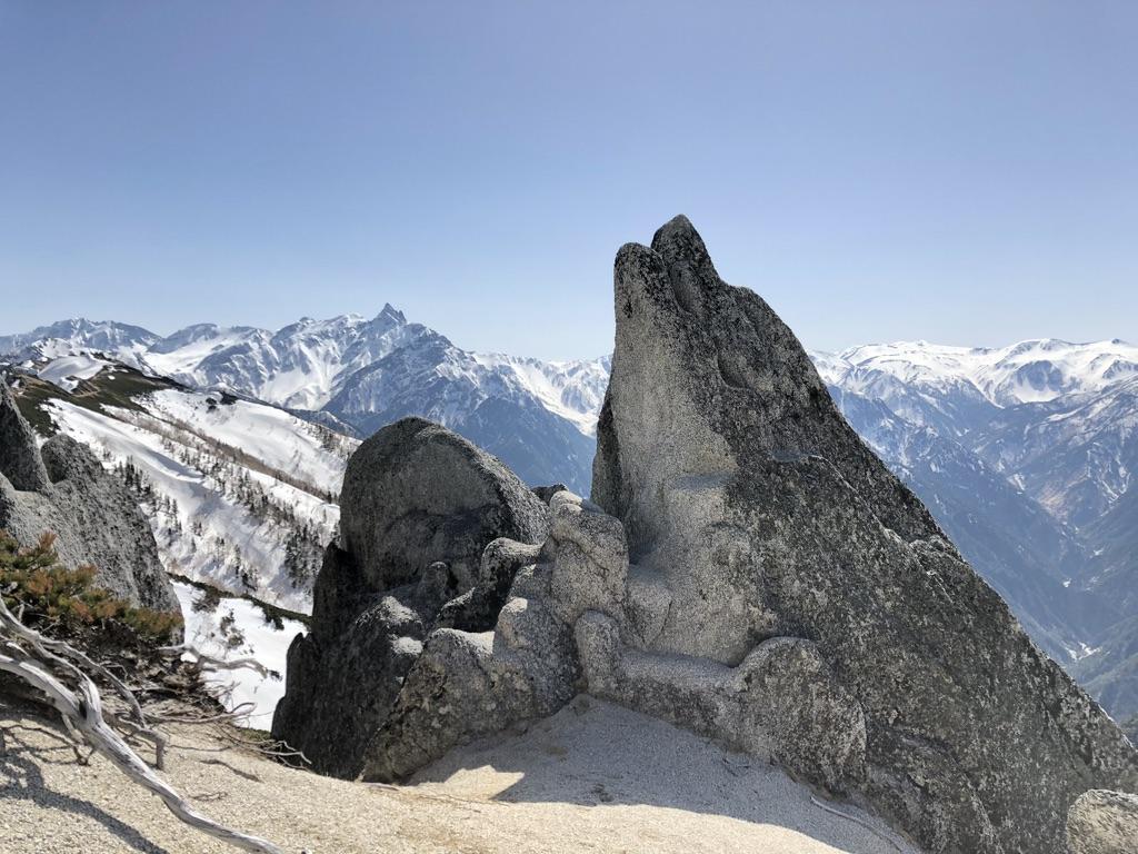 燕岳・イルカ岩と槍ヶ岳