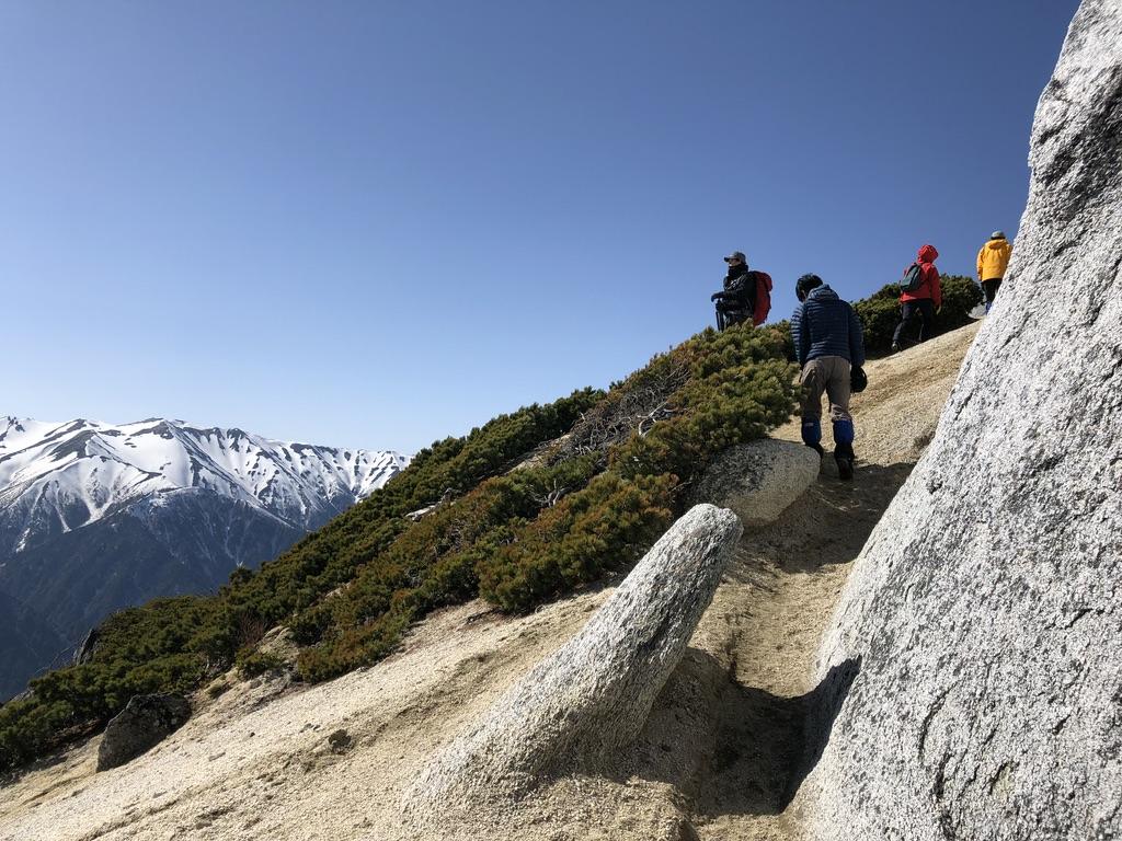 燕岳・大きな奇岩