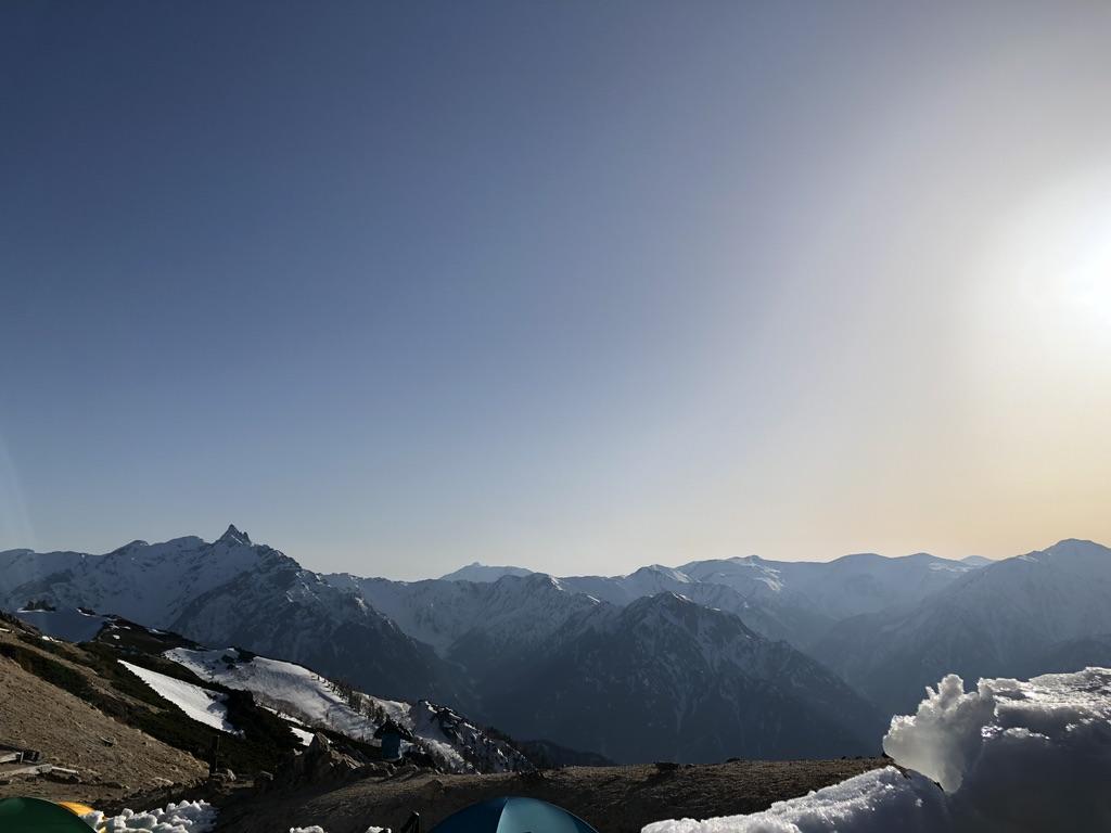 燕岳・テント場からの槍ヶ岳と裏銀座の山々