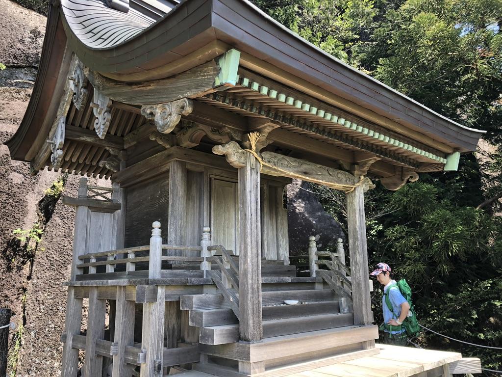 筑波山・白雲橋コース・高天原の上の天照大神を祀る稲村神社