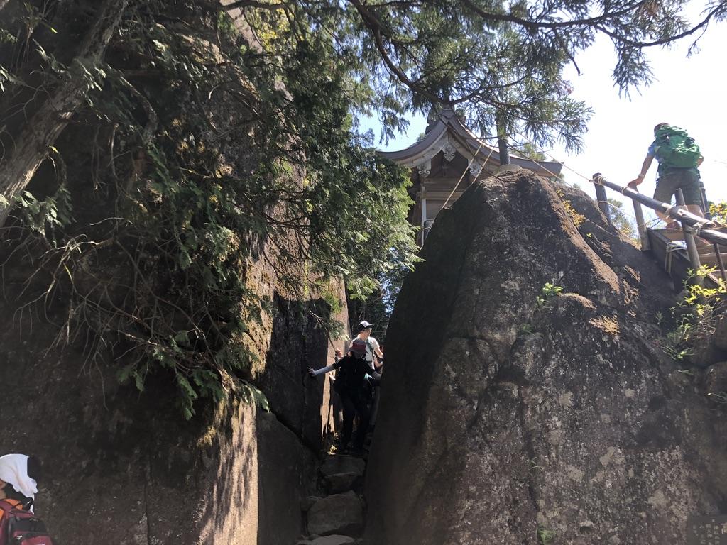 筑波山・白雲橋コース・高天原は神社脇から下ります