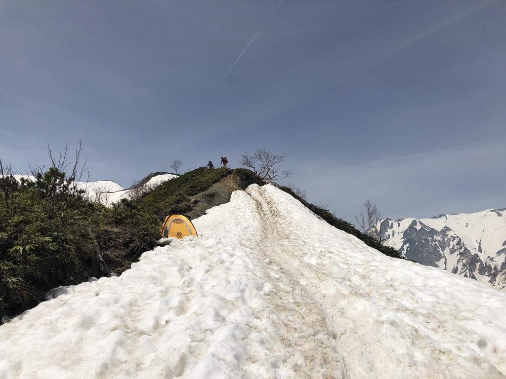 唐松岳・八方尾根・丸山へ向かう途中にあったテント