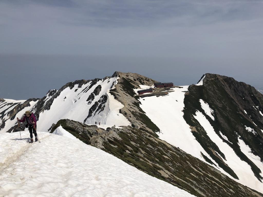 唐松岳・山頂から唐松岳頂上山荘へ