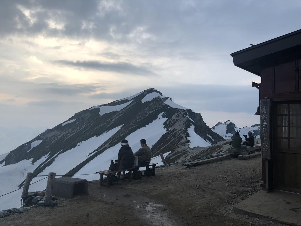 唐松岳・唐松岳頂上山荘の日の入り