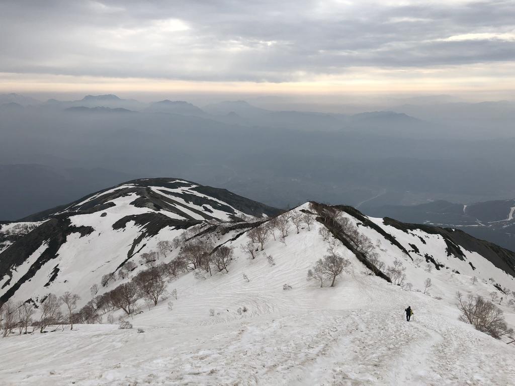 唐松岳・八方尾根・オジサンのあとを追って下山です