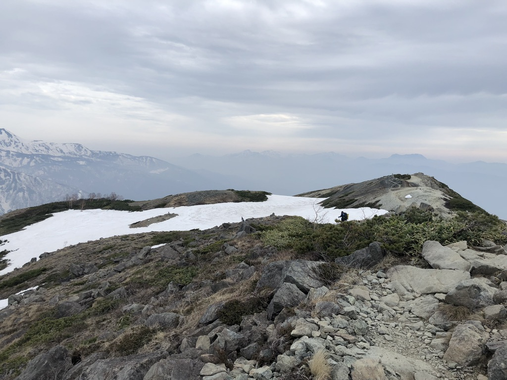 唐松岳・八方尾根・シャイボーイが下山します