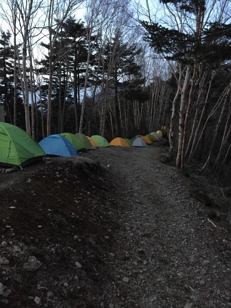 川苔山・雲取山・雲取山荘、テントがすごい
