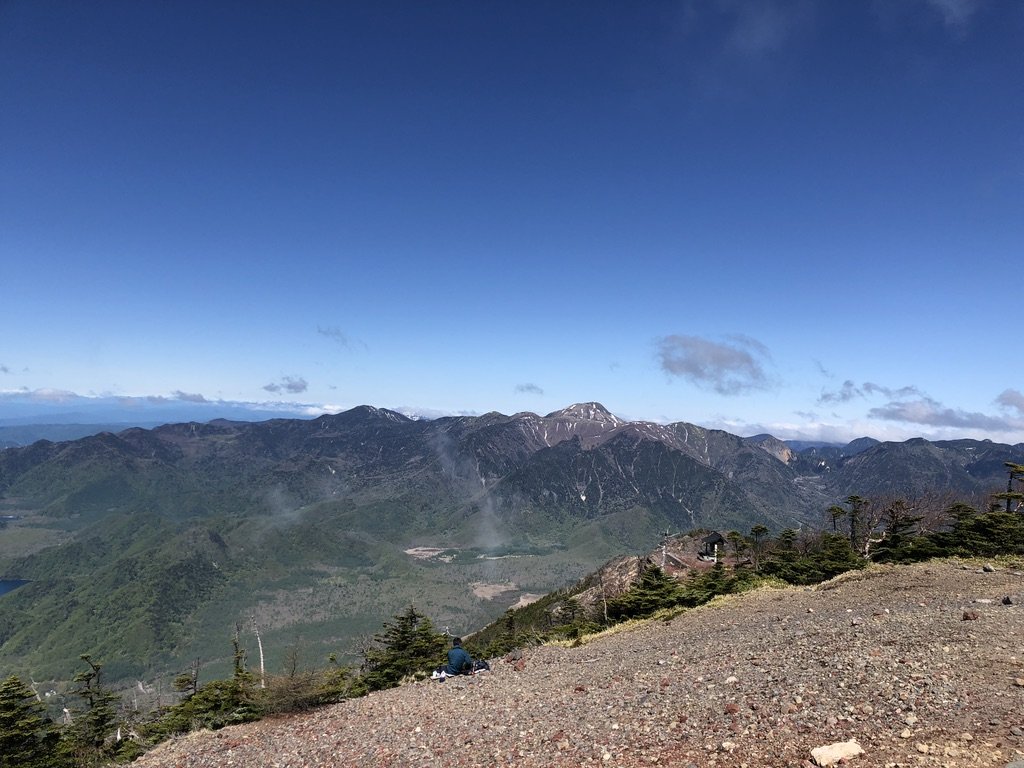 日光男体山・男体山山頂からの戦場ヶ原と日光白根山