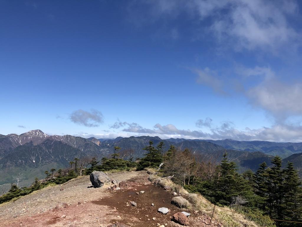 日光男体山・日光白根山と至仏山や燧ケ岳(尾瀬の山も見えるはず)