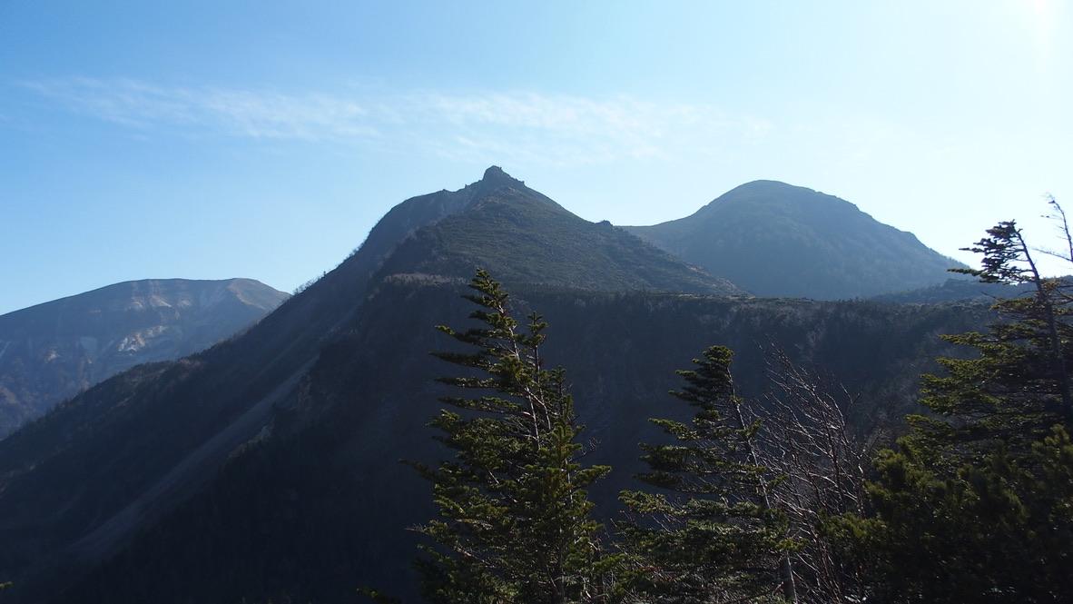 天狗岳(東天狗、西天狗)・中山峠からの天狗岳(東天狗、西天狗)、硫黄岳