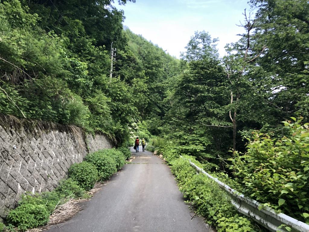 蝶ヶ岳・常念岳・三股駐車場から森の広場へ