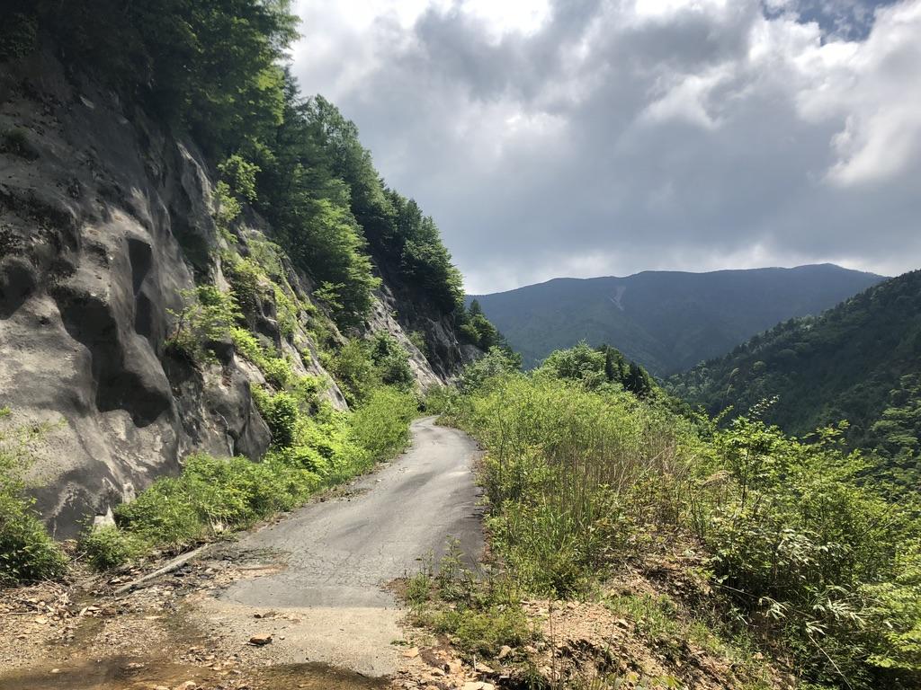 恵那山・廃道を行く4