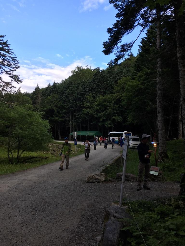 甲斐駒ヶ岳・バスに揺られて北沢峠に到着です