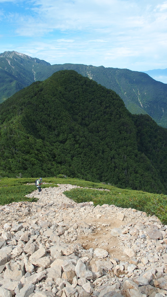 甲斐駒ヶ岳・駒津峰からの双児山