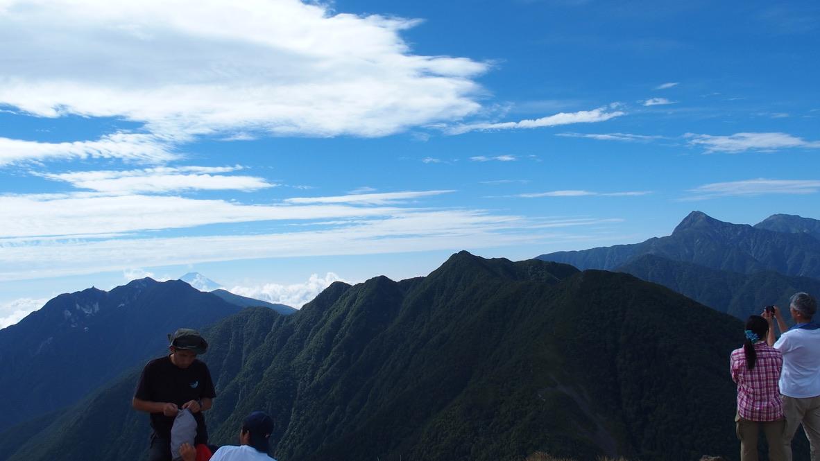 甲斐駒ヶ岳・駒津峰からの鳳凰三山、アサヨ峰、北岳、間ノ岳