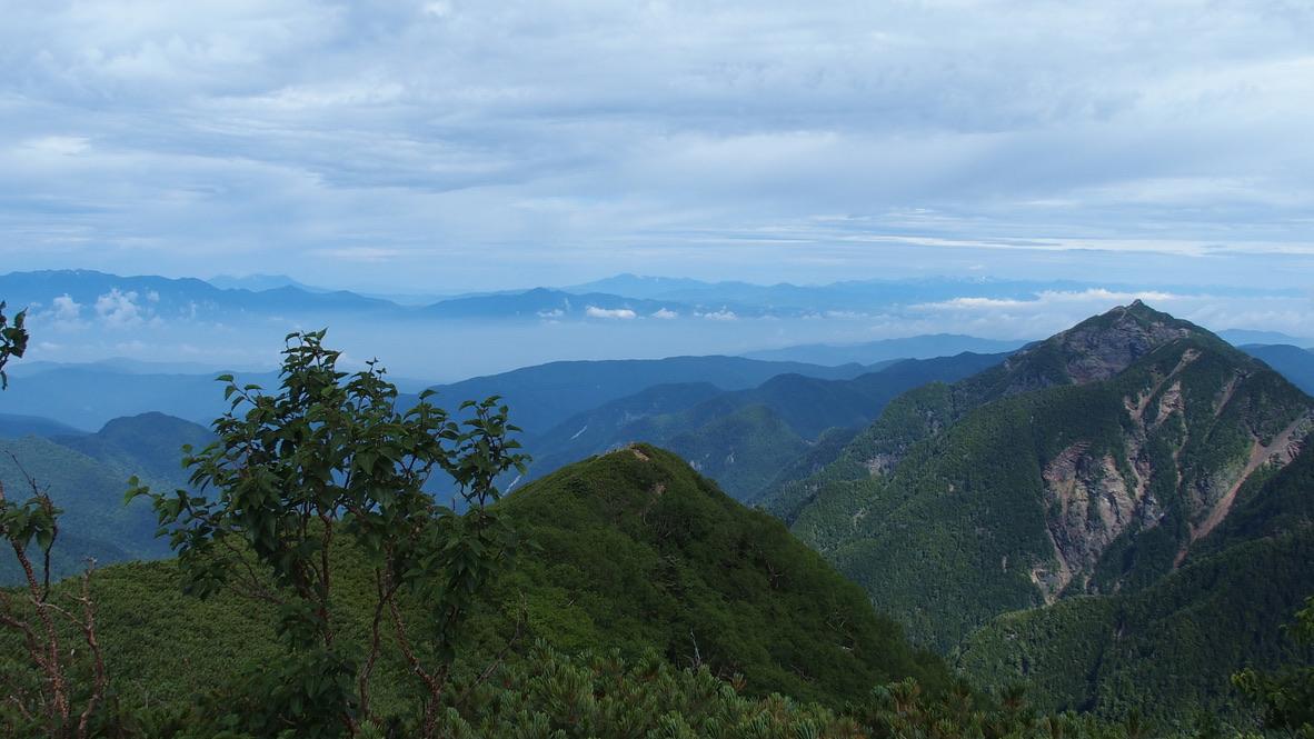 甲斐駒ヶ岳・駒津峰からの鋸岳