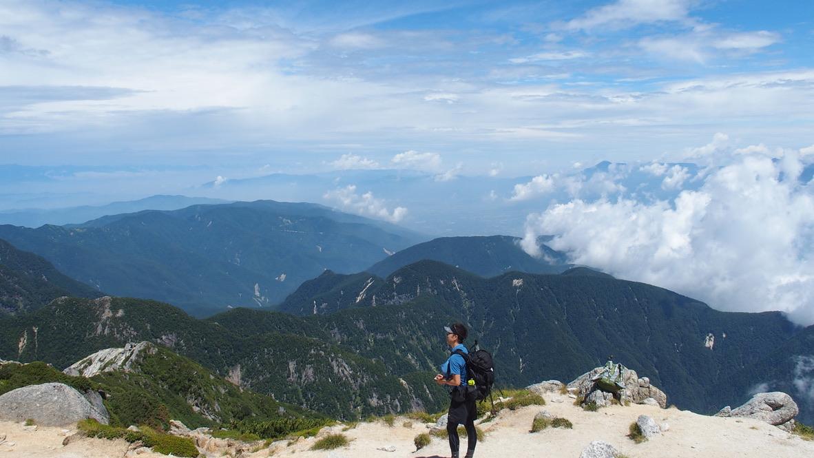 甲斐駒ヶ岳・甲斐駒ヶ岳山頂からの北側の山々