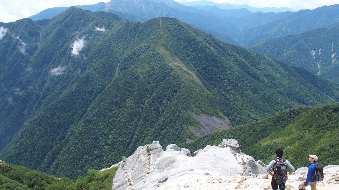 甲斐駒ヶ岳・引き続き駒津峰へ向かいます