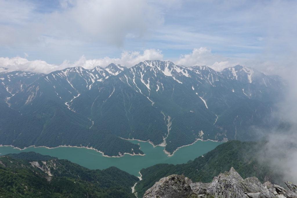 針ノ木岳・蓮華岳・針ノ木岳山頂から見た黒部湖、立山、剱岳
