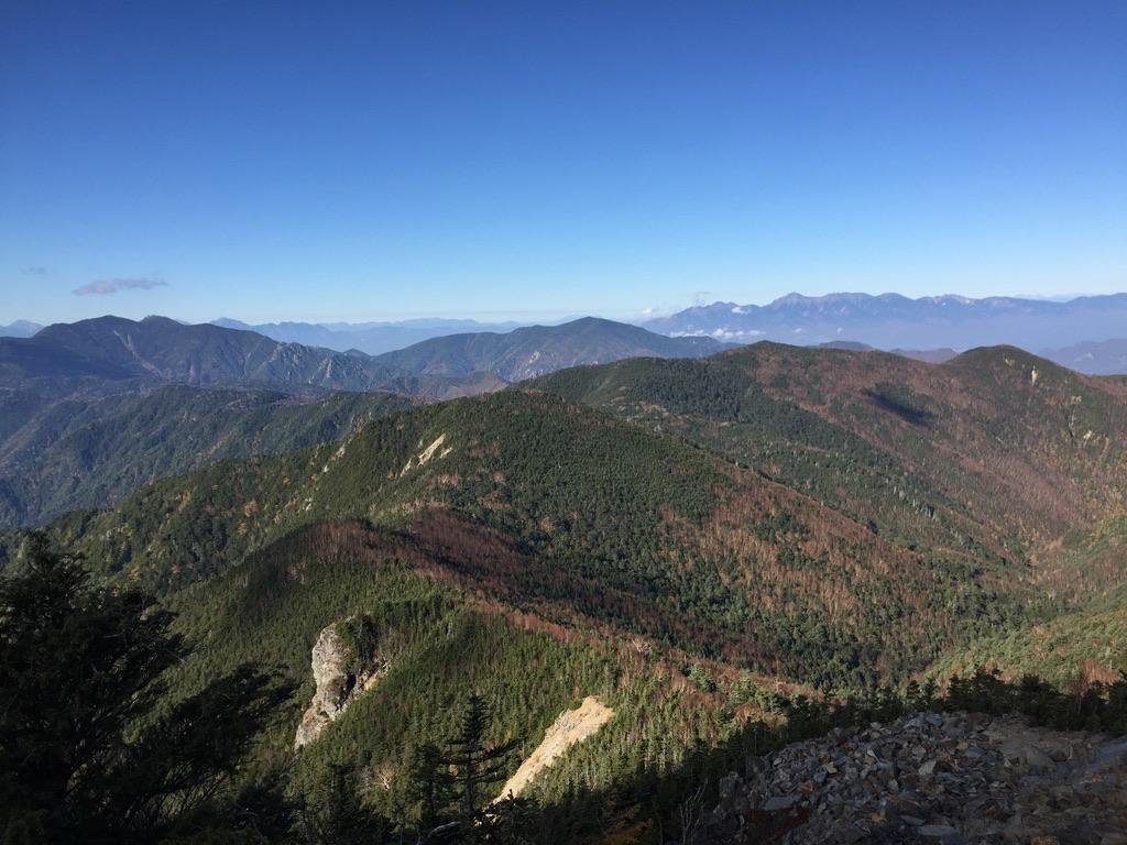 甲武信ヶ岳・三宝山・甲武信ヶ岳から見る金峰山、瑞牆山、八ヶ岳