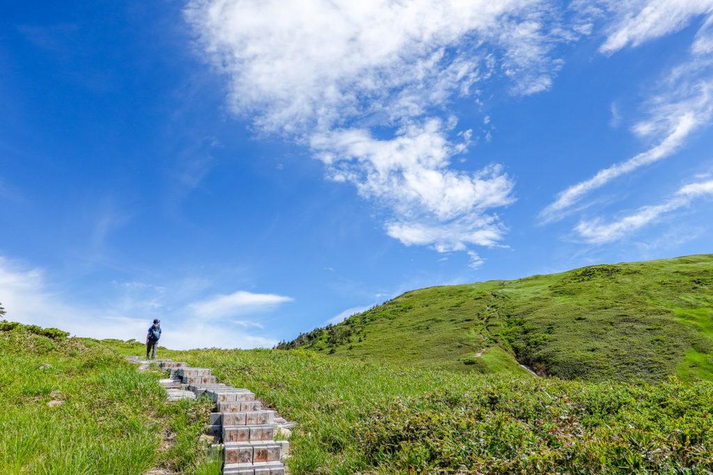 巻機山・巻機山の空は広い!そして青い!