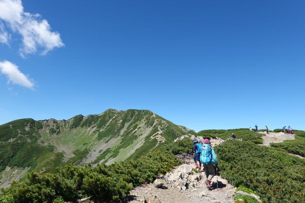 仙丈ヶ岳・小仙丈ヶ岳から仙丈ヶ岳山頂を目指す
