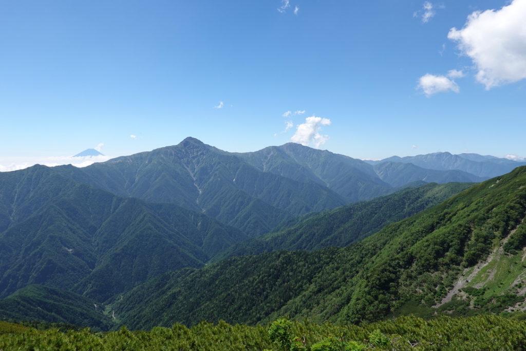 仙丈ヶ岳・仙丈ヶ岳から見る富士山と白峰三山(北岳、間ノ岳、農鳥岳)