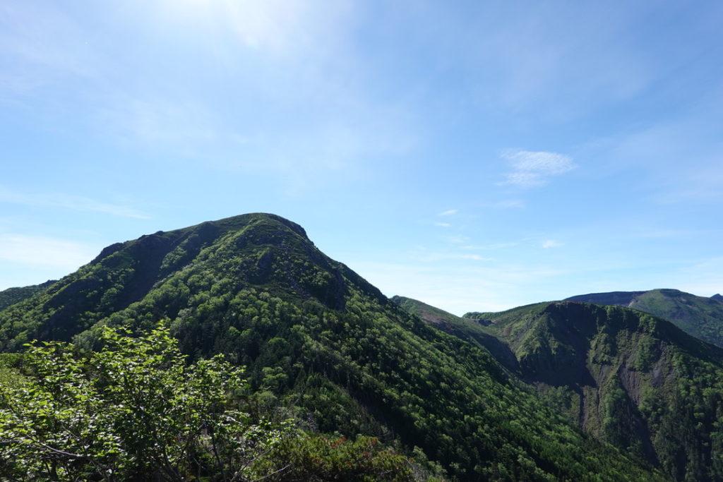 東天狗岳・西天狗岳・西尾根から見る西天狗岳