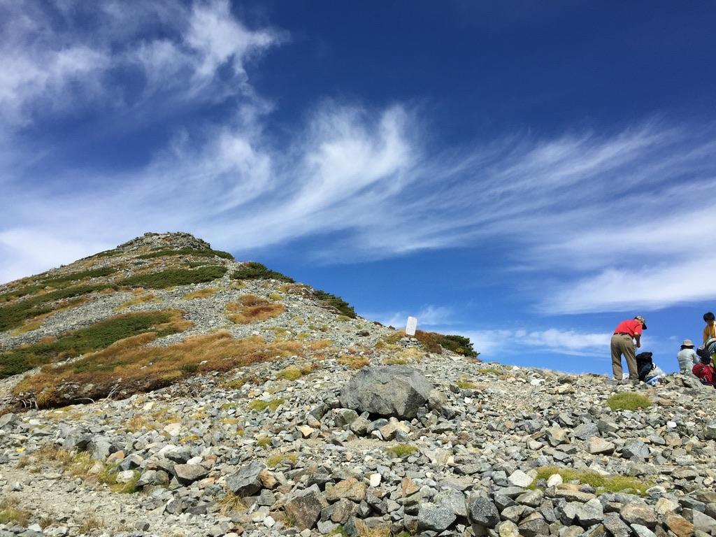 剱岳・剱御前小舎(別山乗越)からの別山方面