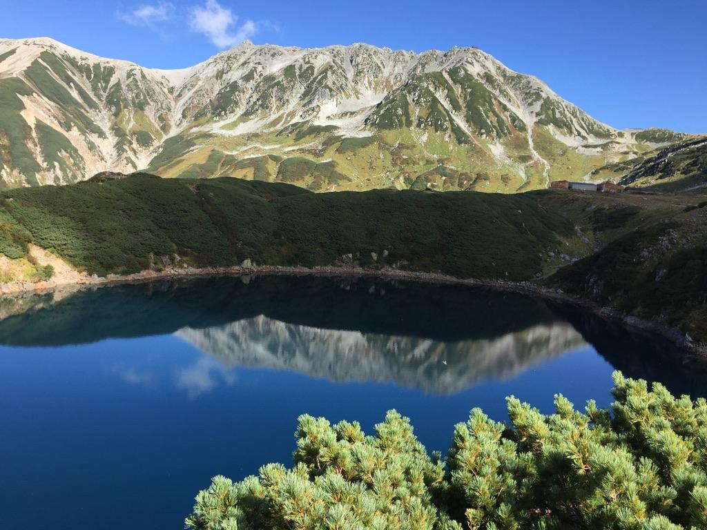 剱岳・ミクリガ池と立山