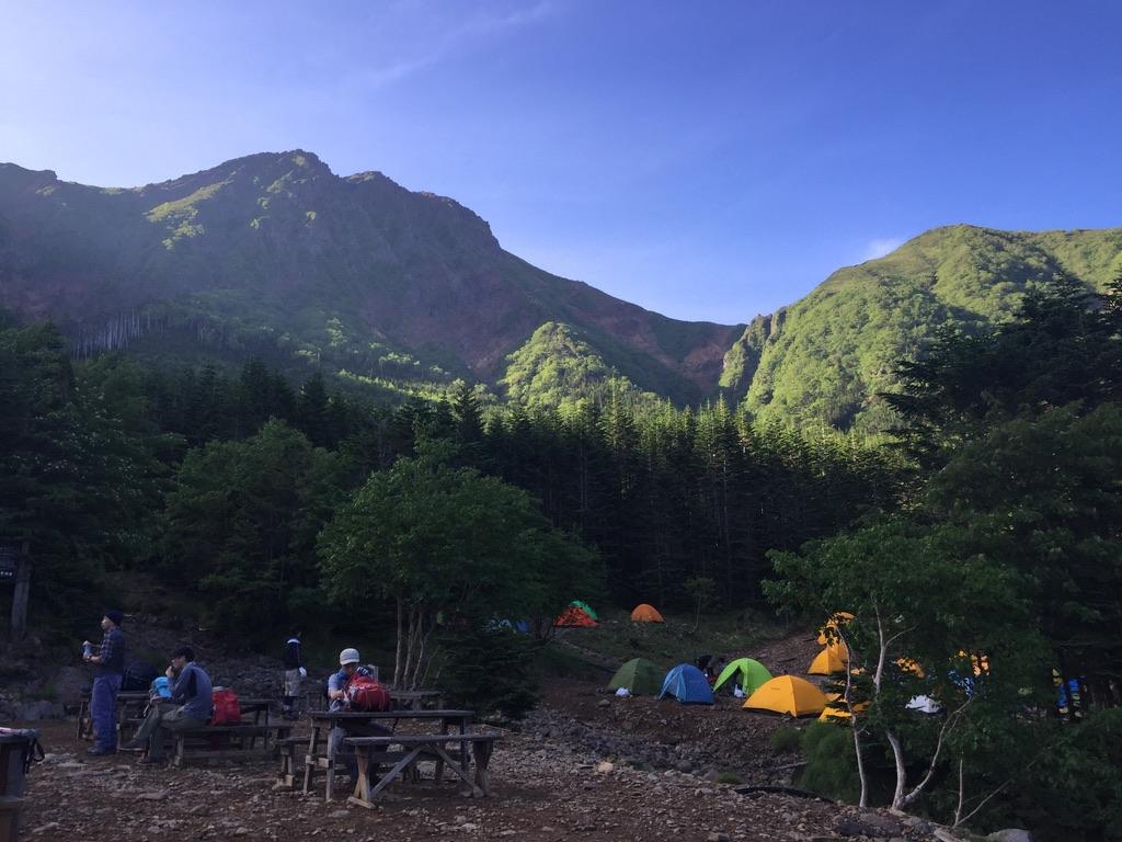 南八ヶ岳・行者小屋からの赤岳、中岳