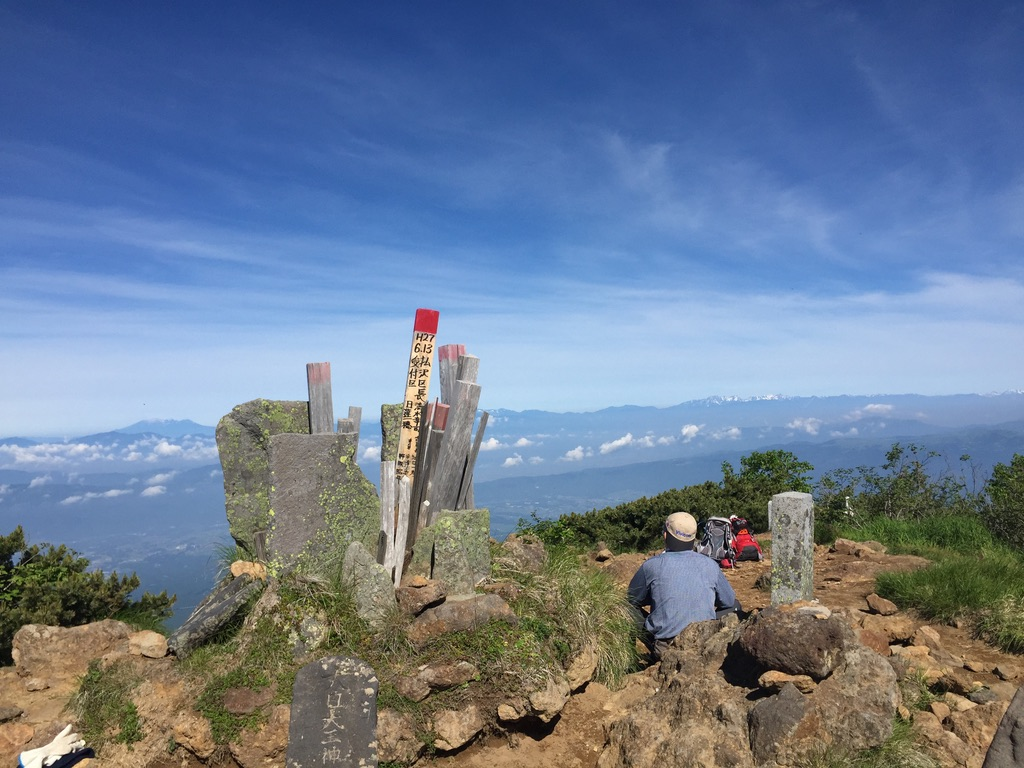 南八ヶ岳・阿弥陀岳山頂からの霧ヶ峰、美ヶ原