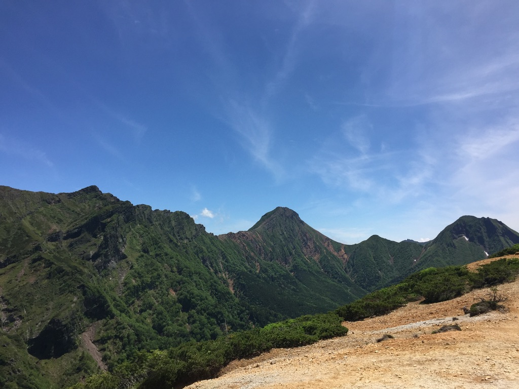 南八ヶ岳・硫黄岳からの横岳、赤岳、中岳、阿弥陀岳、何度も見ちゃう