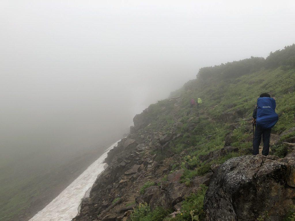 雲ノ平・雲ノ平キャンプ場から祖父岳へ至る道・残雪