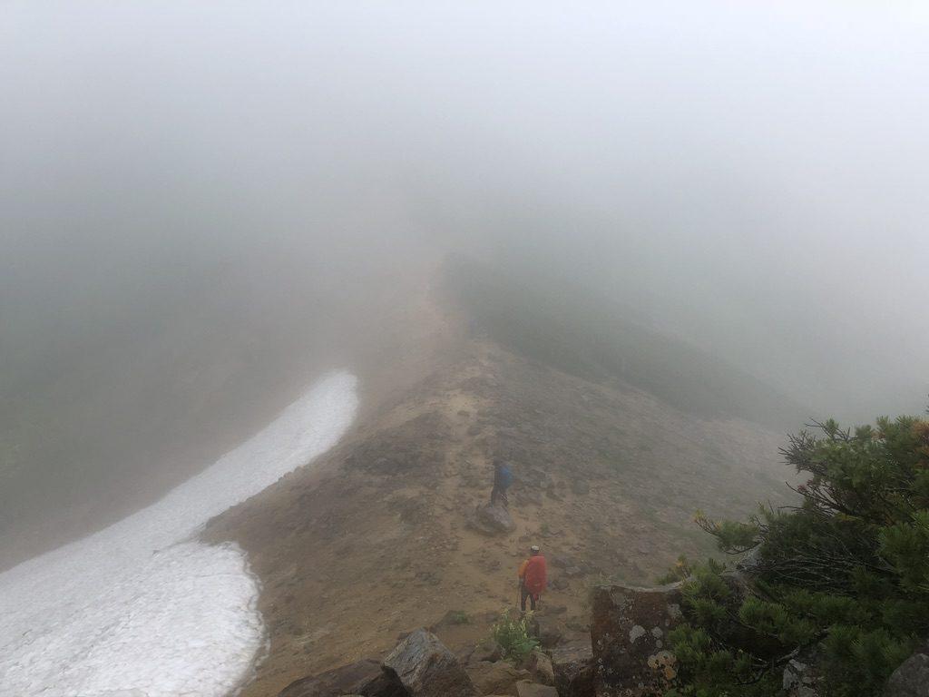 雲ノ平・岩苔乗越向かう道・心の目でも見えませんよ
