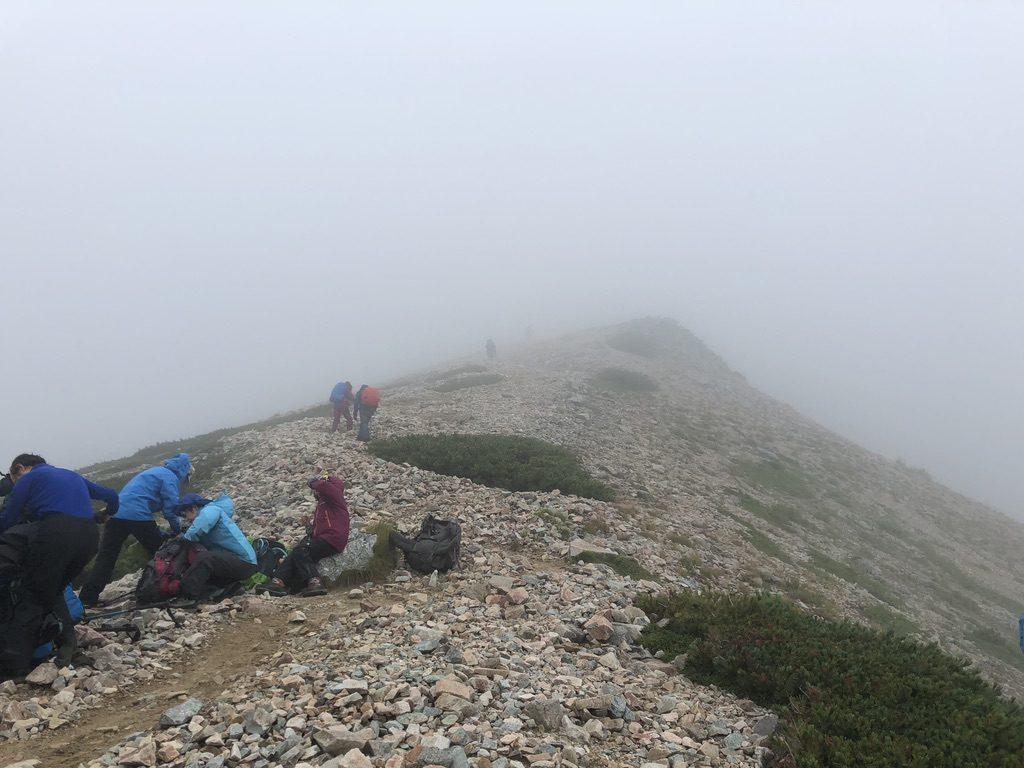 雲ノ平・三俣山荘から鷲羽岳は延々ジグザクジグザグ登りが続きます
