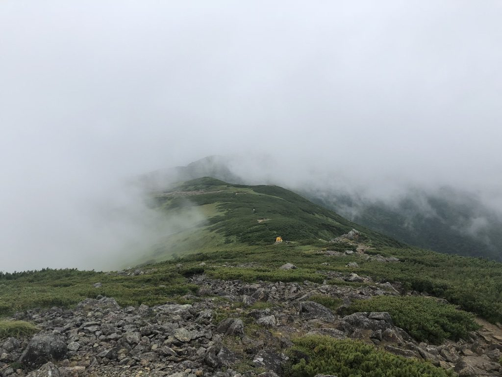 雲ノ平・三俣蓮華岳山頂から黒部五郎小舎へ至る尾根