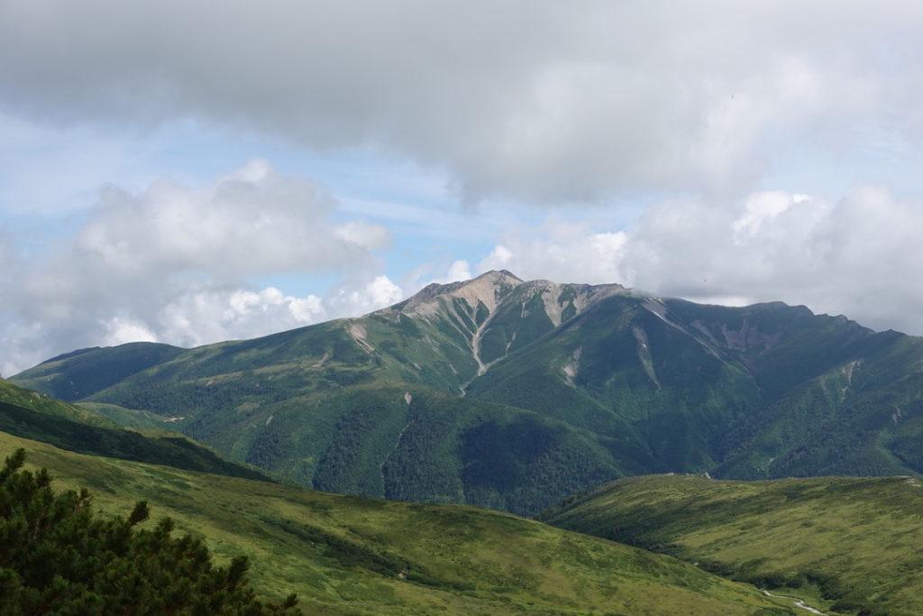 雲の平・赤木岳、山頂からの薬師岳