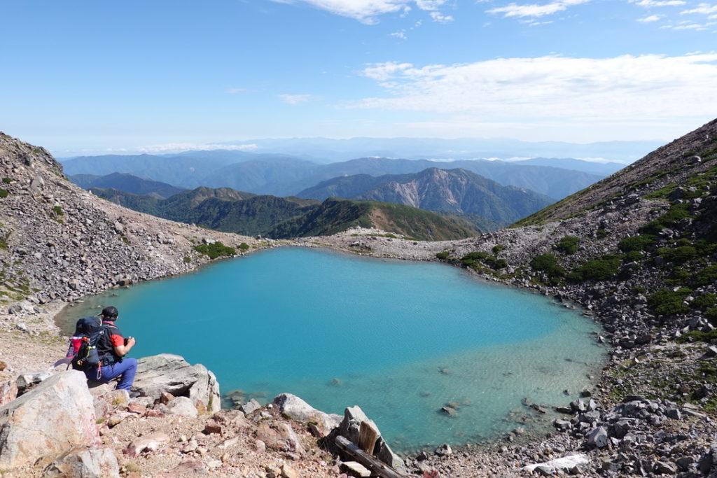 白山・きれいな青の翠ヶ池(みどりがいけ)