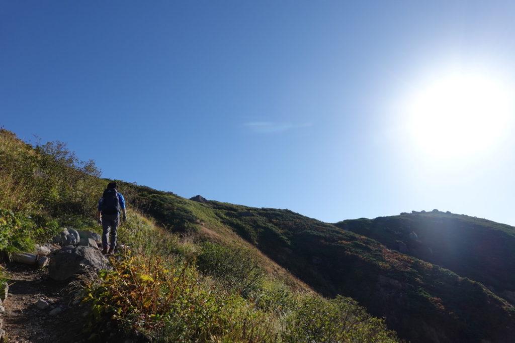 白山・観光新道・馬のたて髪から黒ボコ岩へ