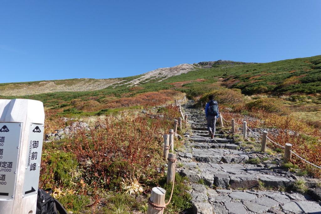 白山・室堂から御前峰へ