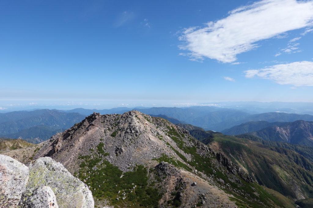 白山・御前峰山頂からの剣ヶ峰